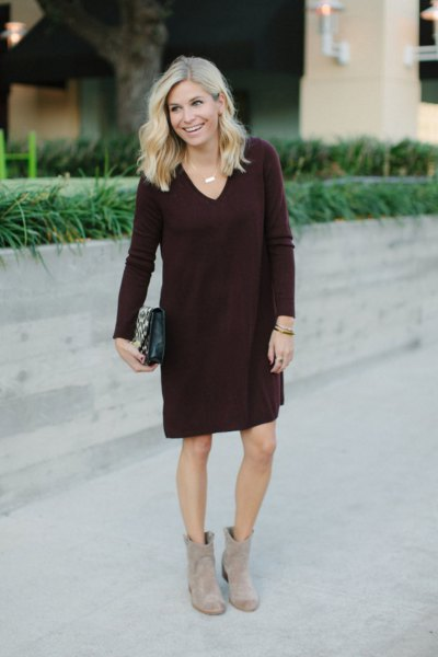 black v neck shift sweater knee length dress with grey boots
