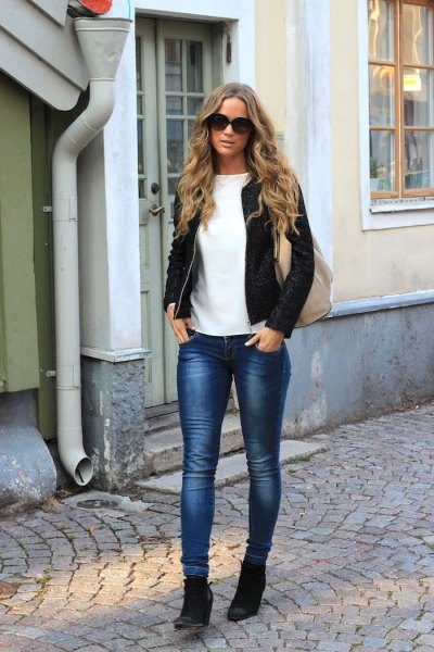 bomber jacket with skinny jeans and black wedge booties