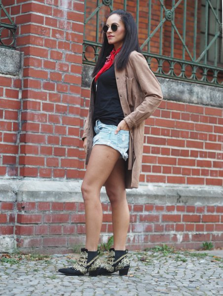 grey long boyfriend suede shirt with black tee and denim shorts