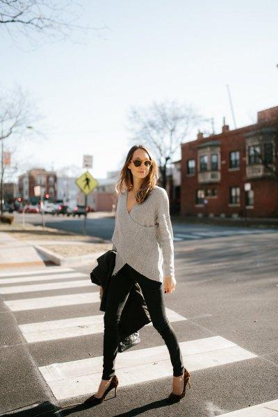 grey wrap sweater with black skinny jeans