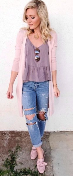ruffle hem v neck top with white cardigan and boyfriend jeans