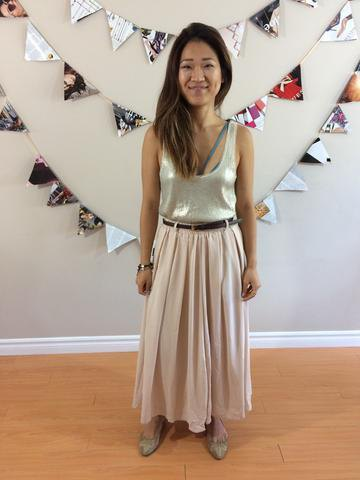 silver scoop neck tank top with pale pink maxi pleated skirt