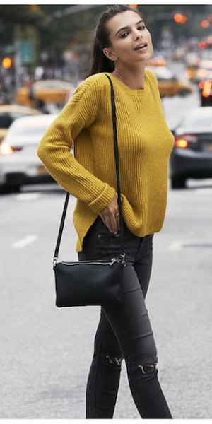 yellow ribbed sweater with black skinny jeans