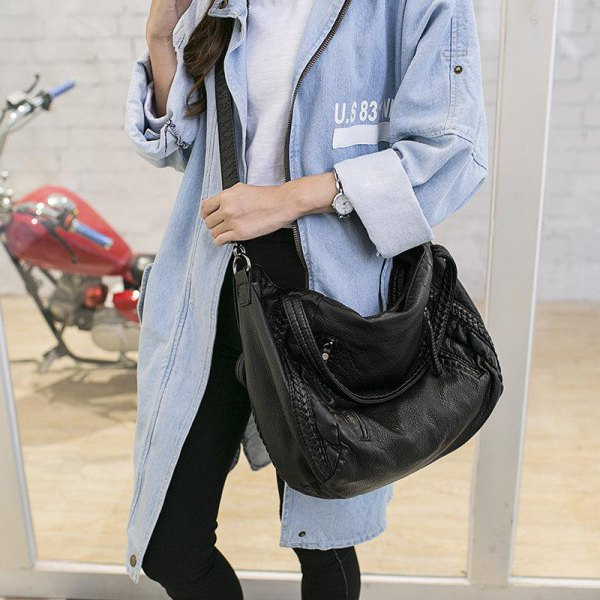 best messenger bag outfit ideas for women