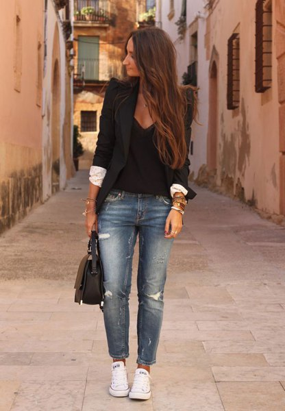 black blazer with deep v neck tank top and cropped jeans