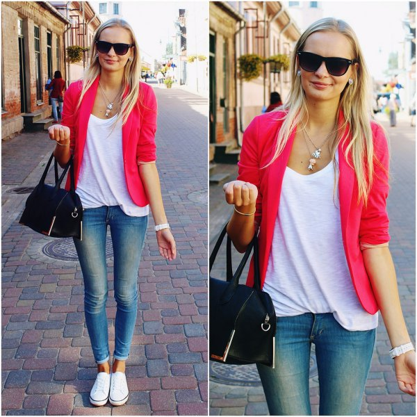 blazer with scoop neck relaxed fit tank top and cuffed skinny jeans