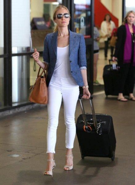 blue half sleeve blazer with white cuffed skinny jeans
