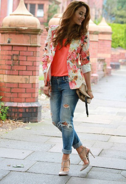 blush pink floral blazer with orange tank top and ripped jeans