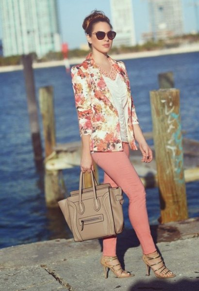 blush pink jacket with white ruched top and crepe skinny jeans