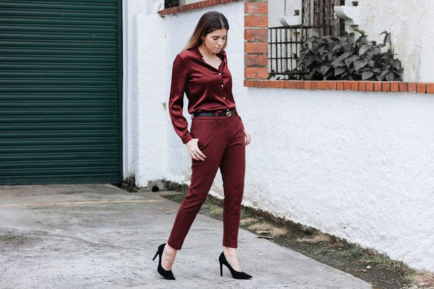 burgundy button up shirt with green pants