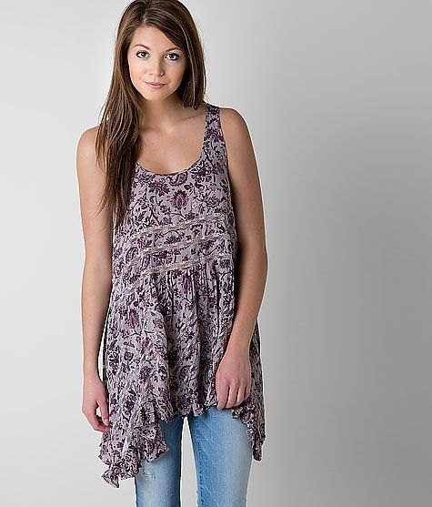grey printed scoop neck tunic top with light blue jeans