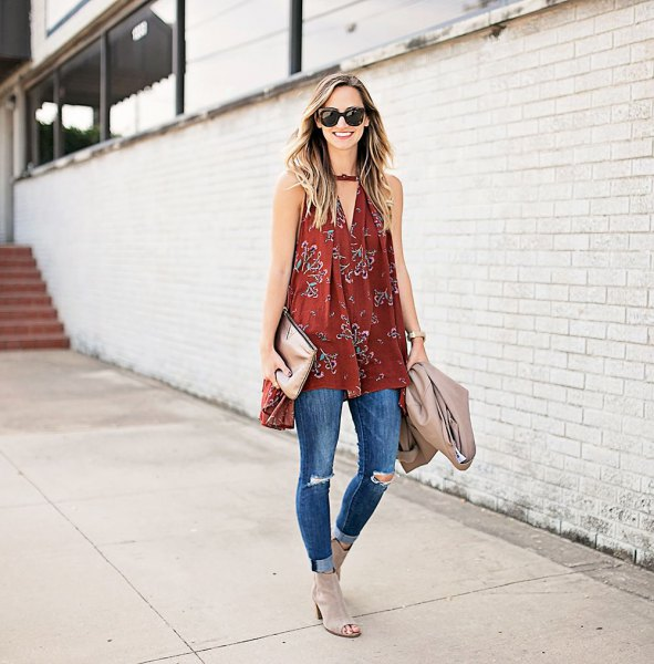 red v neck tunic flared tank top with cuffed skinny jeans