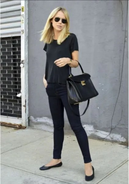 all black outfit with t shirt skinny jeans and ballet flats