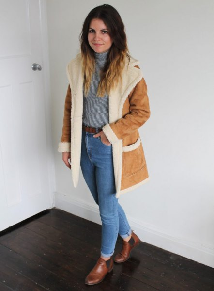 faux fur collar suede coat with blue mom jeans