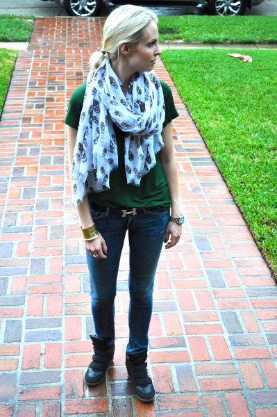 grey t shirt with blue printed scarf and slim fit jeans