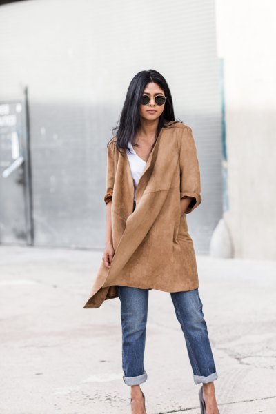 suede casual coat with cuffed jeans and heels