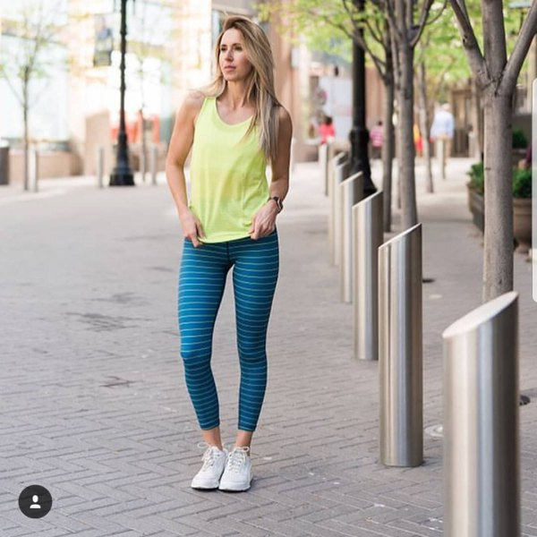 7a6cb55d43a How to Style Royal Blue Leggings  Top 13 Eye Catching Outfit Ideas ...