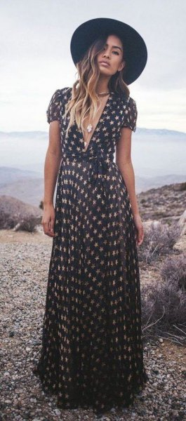 black and blush star printed v neck maxi short sleeve dress