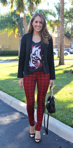 black scoop neck graphic t shirt with casual blazer and red plaid pants