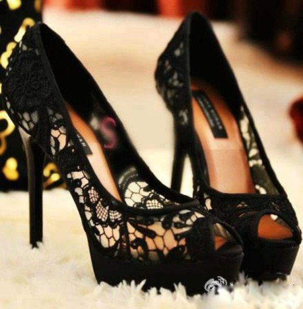 best black lace heels outfit ideas for women