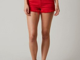 best stretch shorts outfit ideas for women