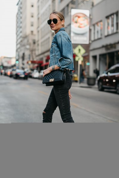 blue denim jacket with black ankle skinny jeans and open toe heels