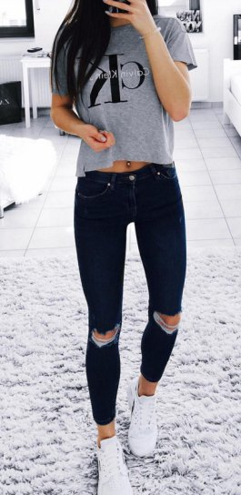 grey cropped graphic t shirt with black ankle skinny jeans
