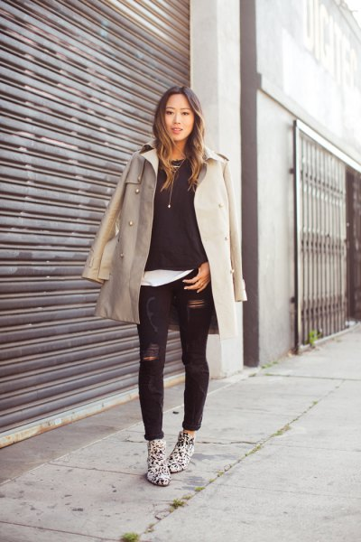7c87770a926 How to Wear Black Distressed Jeans: Best 13 Stylish Outfit Ideas for ...