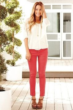 white chiffon blouse with red skinny jeans and brown sandals