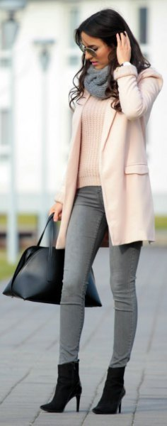 white ribbed sweater with grey skinny jeans and heeled ankle boots