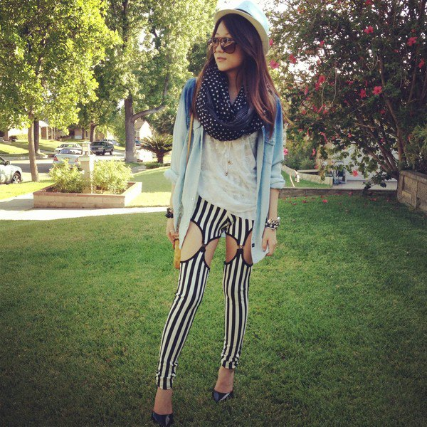 20ade5ff3c6c1 How to Style Black and White Leggings: Top 15 Stylish Outfit Ideas for Women