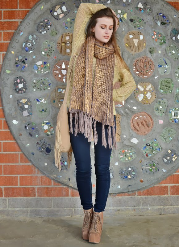 best gold scarf outfit ideas for women