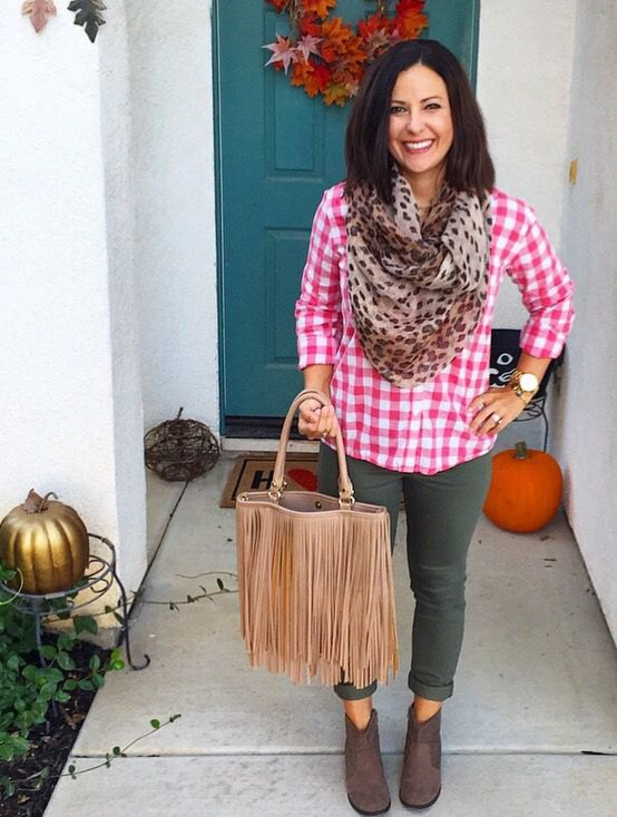 c04994b3cdb4c0 How to Wear Pink Plaid Shirt: Best 15 Outfit Idea for Women - FMag.com