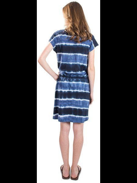 black and blue tie dye gathered waist shirt dress with slide sandals