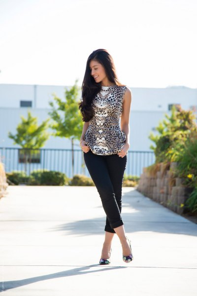 black and white leopard print sleeveless blouse with cropped pants