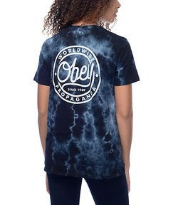 black graphic tie dye t shirt with dark skinny jeans