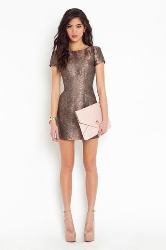 grey fit and flare mini metallic dress with pale pink leather clutch bag