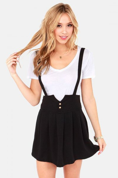 white t shirt with black pleated mini skirt
