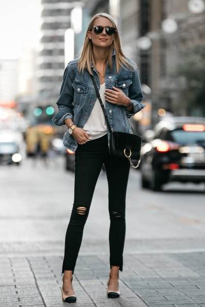 blue denim jacket with white scoop neck tee and skinny jeans