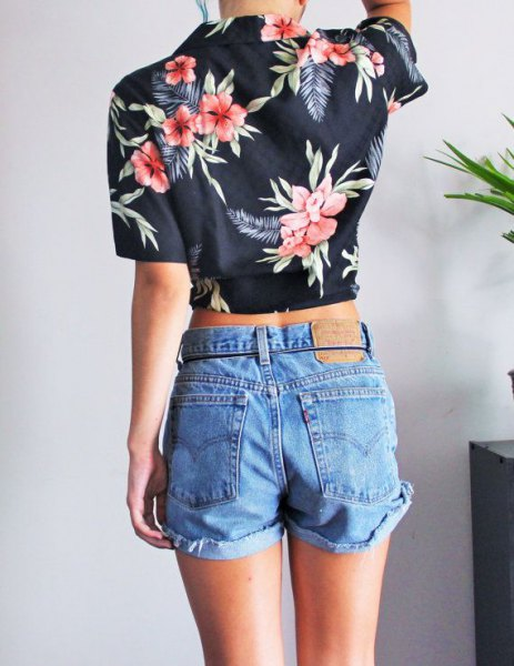 navy blue aloha cropped shirt with blue high rise denim shorts
