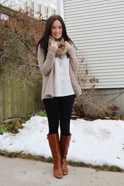 tan cardigan with white blouse with faux fur scarf