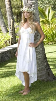 f03a70e4e39d1 How To Style Hawaiian Wedding Dress Best 15 Refreshing Outfit Ideas