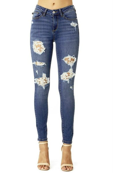 dark blue lace skinny jeans with pale pink open toe heels