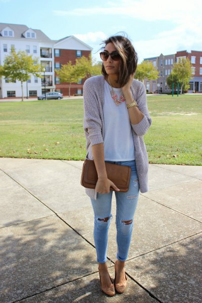 grey sweater cardigan with light blue ripped skinny jeans