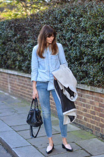 light blue chambray shirt with cropped skinny jeans and black and white loafers