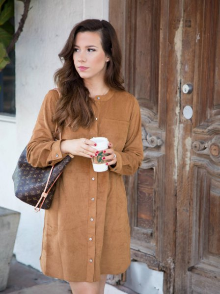long sleeve button up mini suede brown dress with dark green leather purse