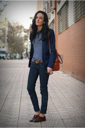 navy blazer with blue and white striped tee and oxford shoes