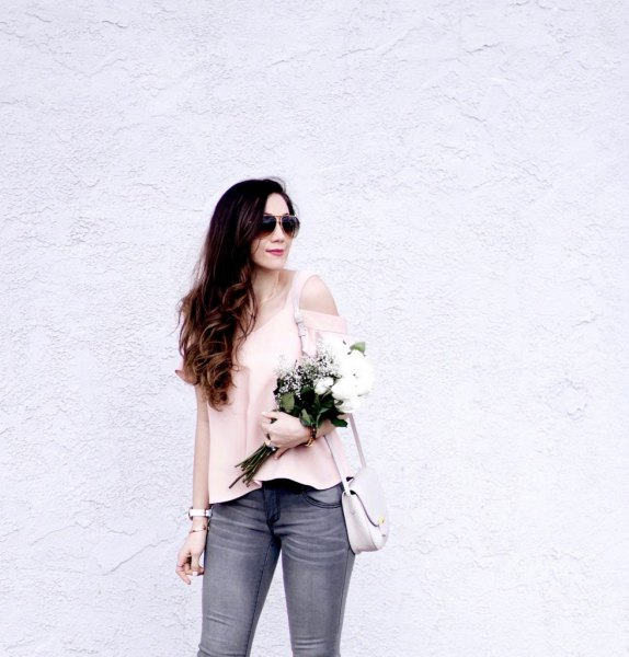 pale pink top with grey skinny jeans and rose gold kitten heels