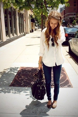 white linen boyfriend shirt with dark jeans and rounded toe matte brown leather shoes