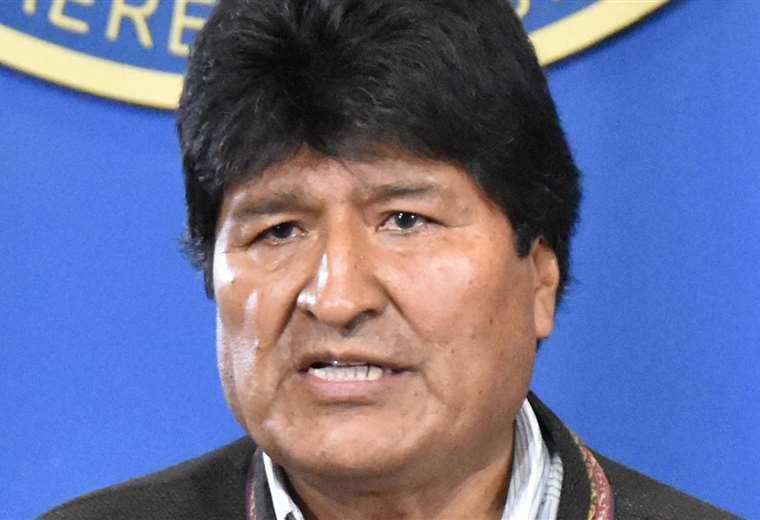 en Bolivia se va Evo del Gobierno